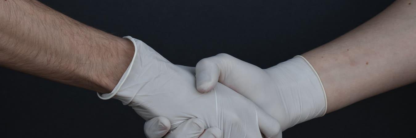 Care sunt diferențele între mănușile de latex, nitril și vinil?